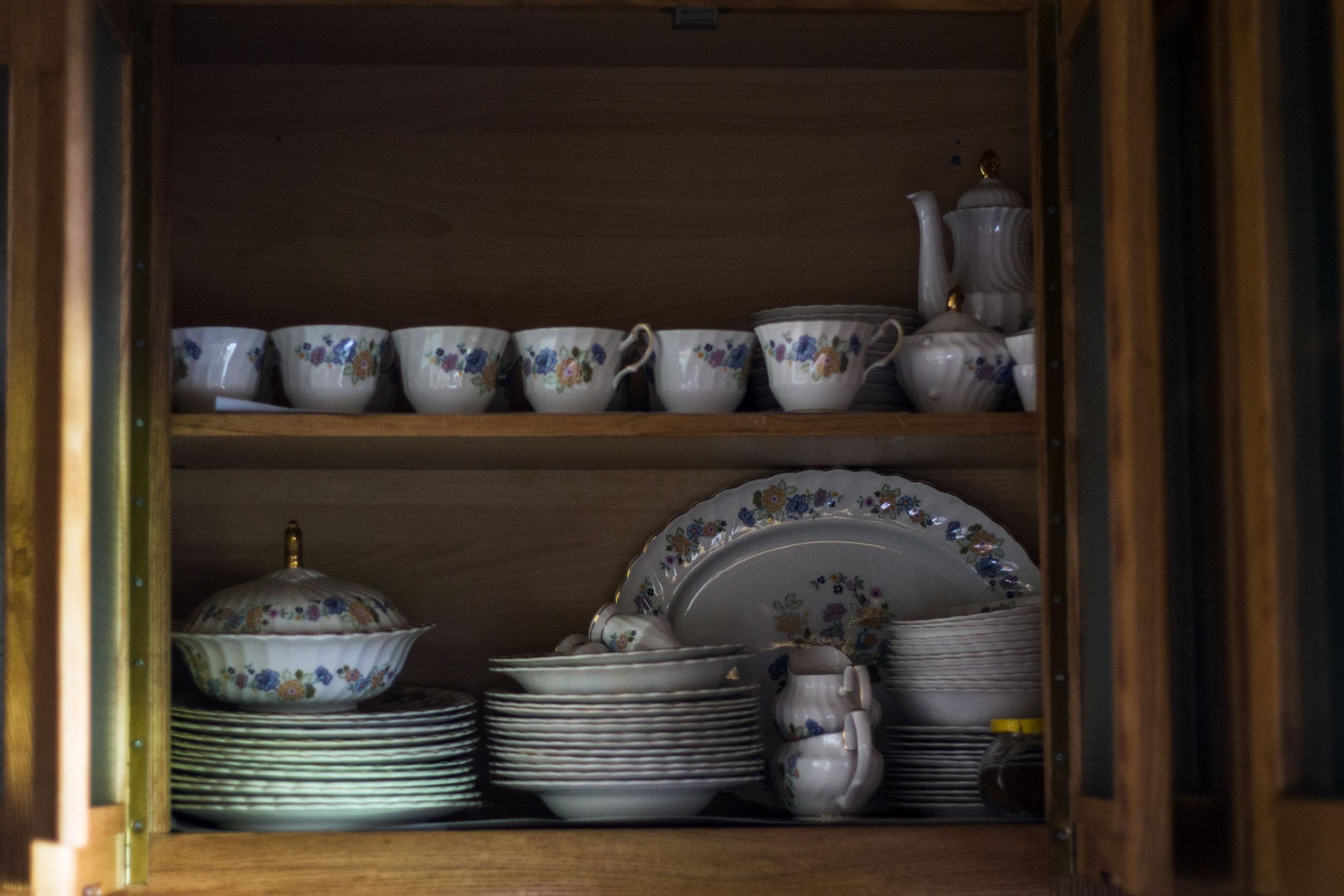 Tea set & her